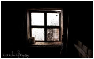 stable window by szaboszilard
