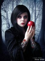Snow White by LorelainW