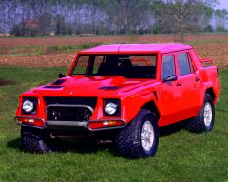 Lamborghini LM002 by TheCarloos