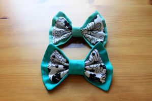 Green Flower Bows Commission by PeppermintPuff