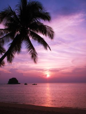 Tioman Sunset by charlielover