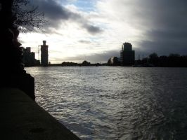 Across the Thames by psychoviolinist1012