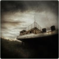 stranding ship by spare-bibo