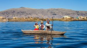 Uros Islands boating by TarJakArt