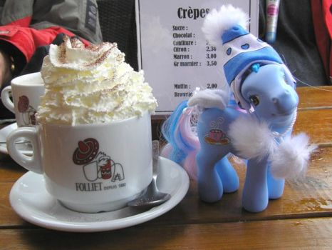 Pony Chocolat Chaud by PrincessAmalthea