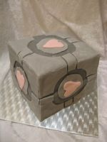weighted companion cube cake by assassin-kitty