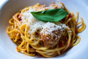 Spaghetti and meatballs by WiksPhotography