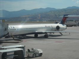 Another MD-90 at SLC by Boeing787