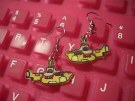 Yellow Submarine earrings by estranged-illusions