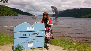 I met Nessy at Loch Ness! by Athena-Erocith
