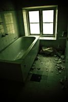Bathtub by Seroth88