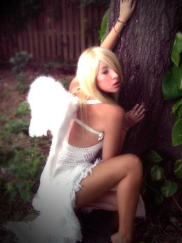 Angel in the Trees III by swedie
