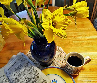 Morning News and Coffee by happytimer