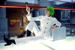 Youmacon 2011 - Green-Haired Dragon Master by katyanoctis