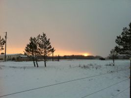 Snowy Evening Sunset 2 by dcrods