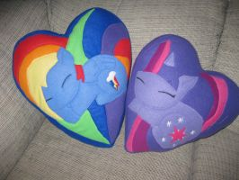 Twilight Sparkle and Rainbow Dash by Brightstar1008