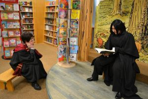 Severus reads to Harry by stormymarie