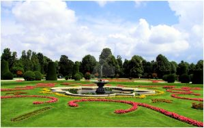 Schoenbrunn Palace Gardens by Xuisol