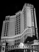 Palazzo in Infrared by eprowe