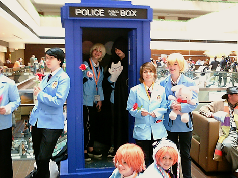 Ouran H.S.H.C. in TARDIS (at ACen 2015) by semi-surreal