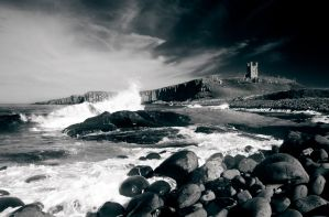 Dunstanburgh Castle mono by newcastlemale