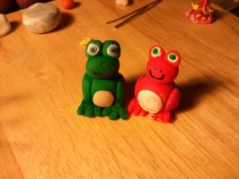 A Froggy Pair by UntouchedRayne