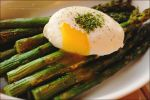 Roasted Asparagus with Poached Egg by asainemuri