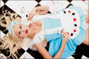 Renee as Alice by zairia
