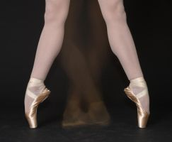 pointe shoes by OhLookAButterflyYusa