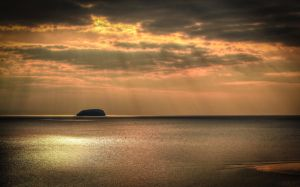 Sunbeans over Steep Holm by Vitaloverdose