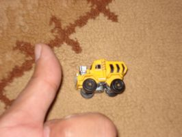 The Little Truck is no bigger than my thumb by Wael-sa