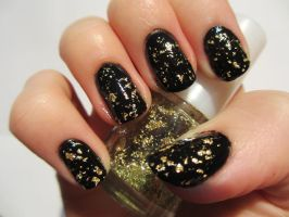 Gold Leaf Nails by JofoKitty