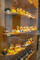 Do you like yellow ducks? :D by Almile