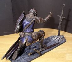 Elite Knight with bonfire 1/6 scale statue view 3 by futantshadow