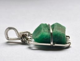 Emerald Pendant 2 Profile by lamorth-the-seeker