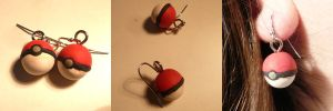 Pokeball Earrings by ChibiSilverWings
