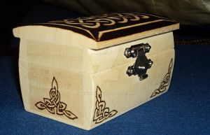 Wooden celtic knot box IV by DeChat9