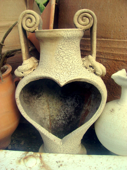 heart shaped pot by angieeluhh