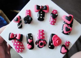 NEW 3D NAILS, HOT PINK and BLACK by jadelushdesigns