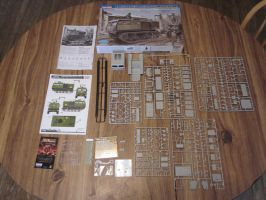 1/35 HobbyBoss M4 High Speed Tractor  Kit contents by enc86