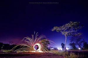 Sparks Circle by perigunawan