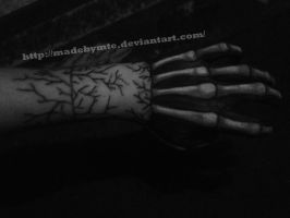 skeleton hand with cracks x'D by MadebyMTE
