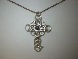 Chainmaille cross-variation by grim-wraith