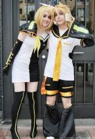 Kagamine Twins - Vocaloid 02 by Sora-Phantomhive