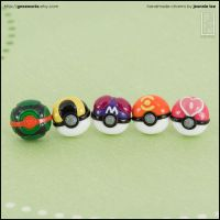 Pokemon Ball Stud Earrings Set by junosama