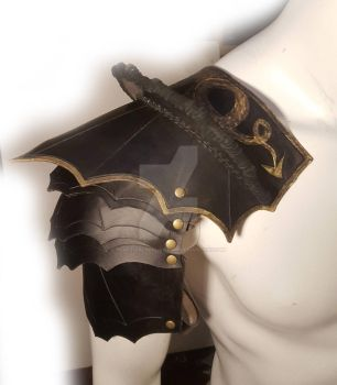 Gothic spiked shoulder armour by PracticalApplication