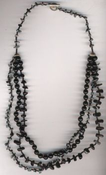 black and gray  necklace by kiyagas