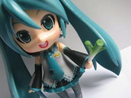 miku hatsune nendroid by oblivious122