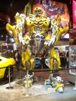 SDCC 2009 BUMBLEBEE by anaheim-420