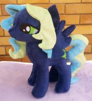 Needlepoint OC plushie by Arualsti